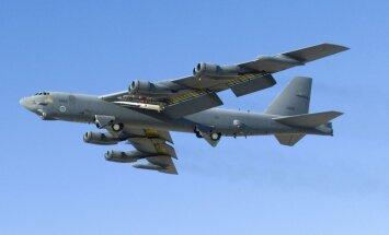 Ķīna par 'militāru provokāciju' nosauc ASV bumbvedēju lidošanu virs Dienvidķīnas jūras