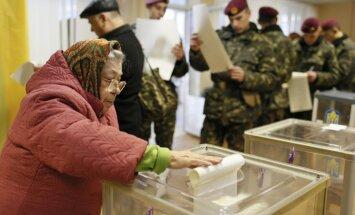 Foto: Svētdien Ukrainas tauta izvēlas nākotni – norit Augstākās radas vēlēšanas