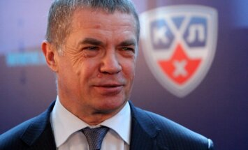 KHL prezidents Medvedevs: visas komandas pabeigs sezonu