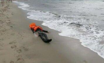 Egejas jūras krastā atrod 36 noslīkušus migrantus