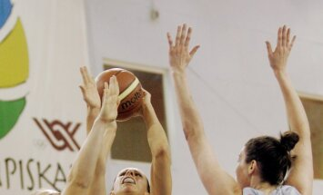 'TTT Rīga' basketbolistes salauž RTU/'Merks' vienību