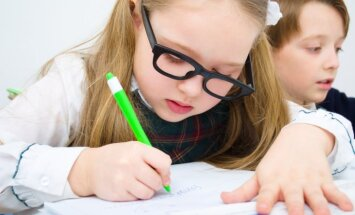 Optometriste nosauc tipiskākās vecāku kļūdas bērnu redzes koriģēšanā