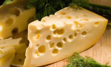 Krievija sankciju ietvaros atsavinātos sierus iznīcinās ar buldozeru