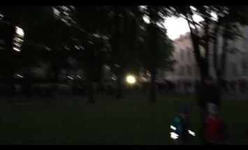 """ВИДЕО: """"Ночью"""" в президентский замок выстроилась огромная очередь"""