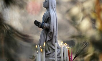 Jēzus, jaunava Marija, bībele, reliģija