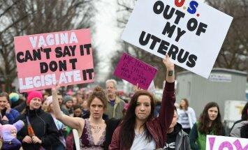 Foto: Sieviešu gājienā Vašingtonā pulcējas vairāki simti tūkstošu cilvēku