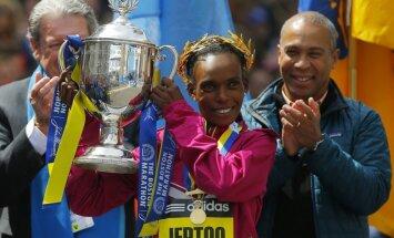 Čikāgas un Bostonas maratonu uzvarētāja Džeptu tiek turēta aizdomās par dopinga lietošanu
