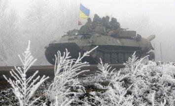 Sestdien kaujās Donbasā ievainoti divi Ukrainas karavīri