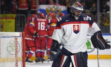 Krievija izcīna vēl vienu graujošu uzvaru šāgada pasaules čempionātā