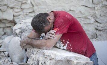 Dramatiski kadri: Zemestrīces nopostītā Amatriče no putna lidojuma