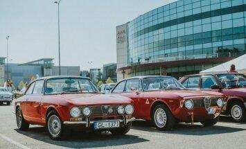 Foto: Pie 'Arēnas Rīga' pulcējušies 350 klasiskie auto