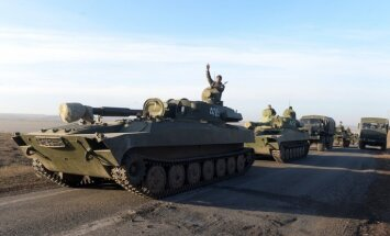 Kaujinieki naktī deviņas reizes apšaudījuši Ukrainas spēku pozīcijas