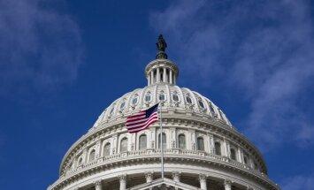 ASV Senāta līderi optimistiski par izvairīšanos no defolta