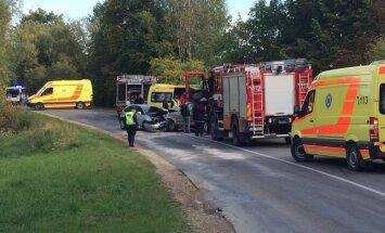Satiksmes negadījumā autoceļa posmā Tukums - Milzkalne cietuši četri cilvēki