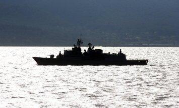 Grieķijas krasta apsargi šauj uz Turcijas kravas kuģi