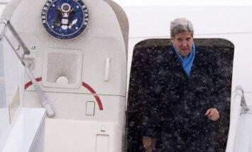 Olands un Merkele dodas uz Maskavu un Kijevu, Kerijs tikai uz Kijevu