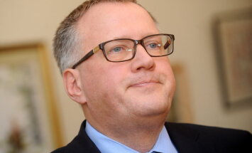 Ašeradens atkārtoti iztur neuzticības balsojumu Saeimā