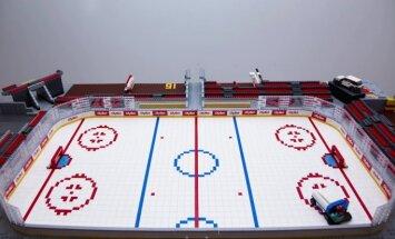 """ФОТО, ВИДЕО: В Латвии построили хоккейную арену из 20 000 деталей """"лего"""""""