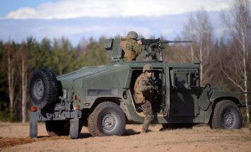 Ceturtdien uz Ādažiem un Grenctāli pārvietosies militārā tehnika