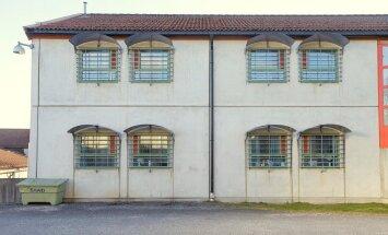 Atsāk izvērtēt Breivīka 'necilvēcīgos' ieslodzījuma apstākļus