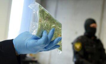 Par kokaīna izplatīšanu Rīgā aiztur organizētu septiņu personu grupu