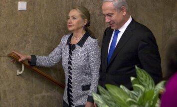 Klintone mudina uz mieru Gazas joslā; pauž ASV atbalstu Izraēlai