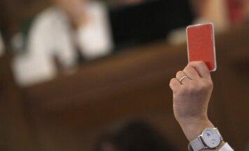 Saeima noraida priekšlikumus augstskolu akreditācijas sistēmas pilnveidei