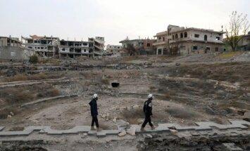 Sīrija nosodījusi 'Balto ķiveru' dalībnieku evakuāciju caur Izraēlu