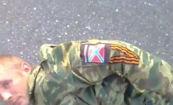 Video: Ukrainas karavīri sagūstījuši promaskaviskos kaujiniekus