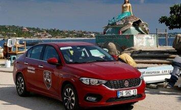Ar 'Fiat Tipo' veiksmīgi pārvarēts ceļojums apkārt zemeslodei