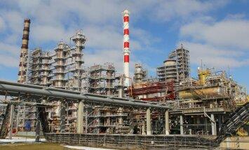Baltkrievija meklē alternatīvu Krievijas naftai; melno zeltu vedīs no Irānas