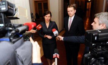'Galvas cirst bez iemesla ir neprātīgi' – finanšu ministre pārliecināta par FKTK profesionalitāti
