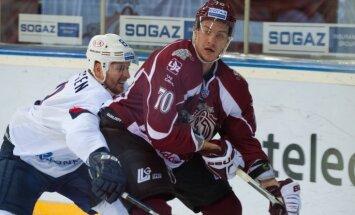 Indrašis un Miķelis Rēdlihs oficiāli paliek Rīgas 'Dinamo'