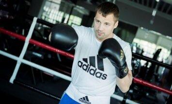 Briedis noslēdz līgumu ar sporta preču ražotāju 'adidas'