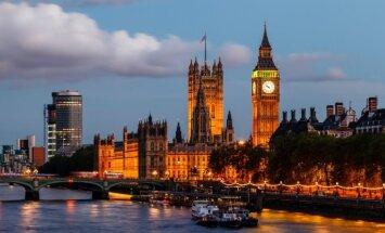 'Financial Times': Krievijas bagātnieki mūk uz Lielbritāniju