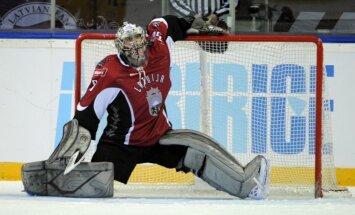 Latvijas hokeja izlases vārtus otrajā mačā pret Baltkrieviju sargās Gudļevskis