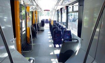 За десять лет количество пассажиров в рижском общественном транспорте уменьшилось наполовину