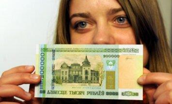 Baltkrievija no rubļa banknotēm svītros četras nulles