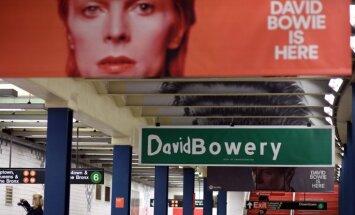 Foto: Deivids Bovijs 'ieņēmis' Ņujorkas metro