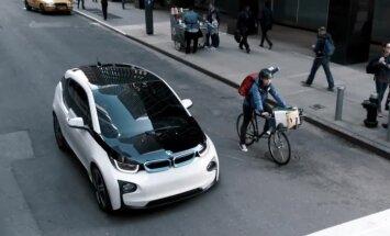 Kas ir internets un ko nozīmē @ simbols? Tā BMW reklamē elektromobili