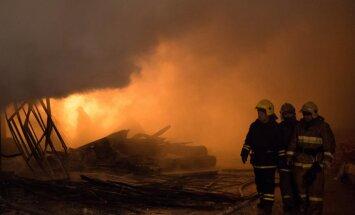 Krievijā astoņās svētku dienās ugunsgrēkos gājuši bojā 368 cilvēki