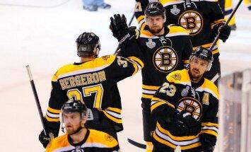 Daugaviņa pārstāvētā 'Bruins' izcīna 'sauso' uzvaru un pārņem vadību NHL finālsērijā