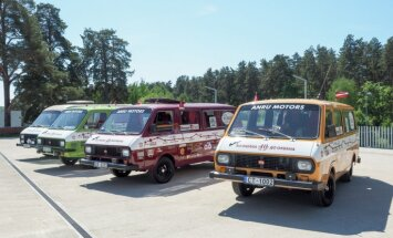 Foto: Rīgā svinīgi dots starts RAF mikroautobusu ekspedīcijai uz Vladivostoku