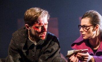 Foto: Dailes teātrī tapusi baisa melodrāma 'Ugunsgrēki'