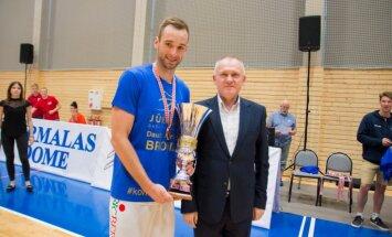 BK 'Jūrmala' pagarina līgumu ar komandas kapteini Pineti