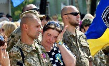 """""""Война научила меня никому не верить, особенно в Донбассе"""". Украинские солдаты — об Иловайском котле и """"Градах"""""""