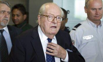 Francijas tiesa pieprasa Lepēnam paskaidrot izteikumus par nacistu gāzes kamerām