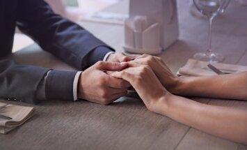 Kad gadiem nav nozīmes: kāpēc sievietes vēlas attiecības ar vecākiem vīriešiem