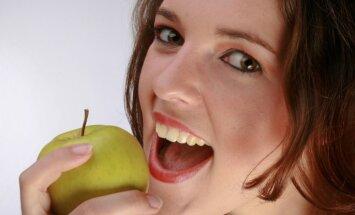 Kas ietekmē zobu krāsu un kāpēc balināšanu neiesaka pirms 18 gadu sasniegšanas