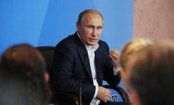 Putins sola Krievijas ekonomikas atkopšanos; neprognozē sankciju atcelšanu
